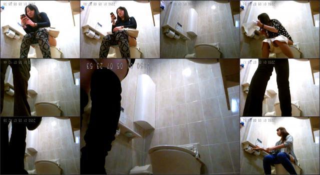 Voyeur4You.com_toilet Voyeur4You-cvs001_00