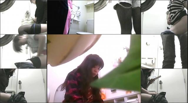 Voyeur4You.com_toilet Voyeur4You-d0093_0440_01