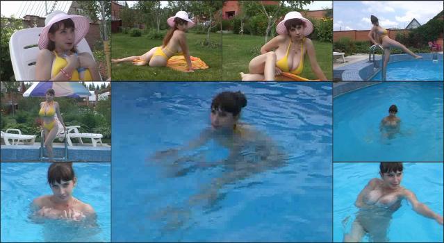 DVD Russian Gorgeous Yulia_Nova-Yulia Nova – Yulia In The Summer – Yellow Bikini