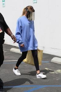 olivia-jade-giannulli-at-dwts-rehearsals-in-hollywood-09-02-8.jpg