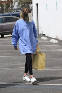 olivia-jade-giannulli-at-dwts-rehearsals-in-hollywood-09-02-7.jpg