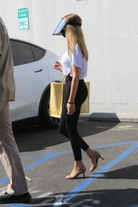 olivia-jade-giannulli-at-dwts-rehearsals-in-hollywood-09-02-6.jpg