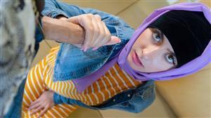 hijabhookup-21-08-08-angeline-red.jpg