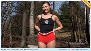 alsscan-21-08-10-emma-sirus-hopscotch-bts.jpg