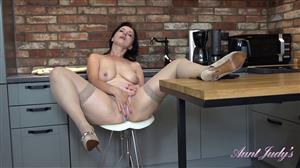 auntjudys-21-08-10-wanilianna-kitchen-masturbation.jpg