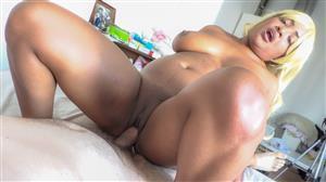 putalocura-21-08-23-mia-black-the-busty-woman-likes-to-swallow.jpg
