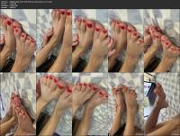 236615403_diffgirls-2020-10-01-997575332-for-my-feet-lover-mp4.jpg