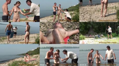 [Image: 236791837_0039_nudvid_nudist_beach_kirbo..._girls.jpg]